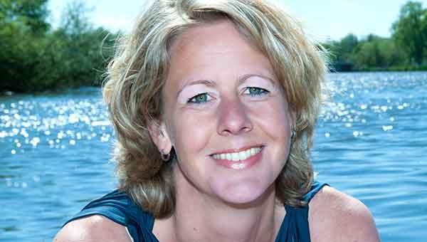 Kirsten bij het water